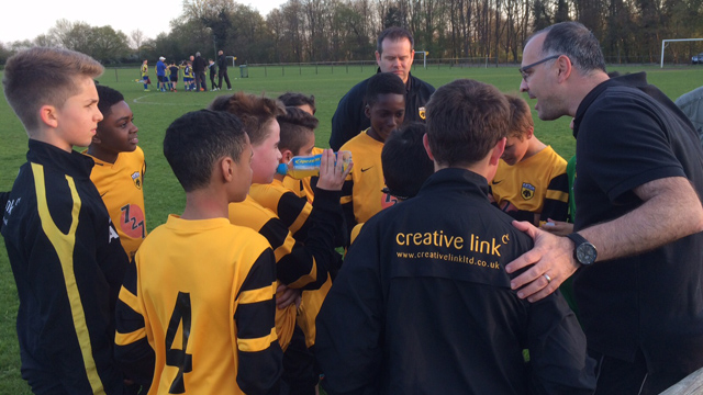 AEK U12 Team talk